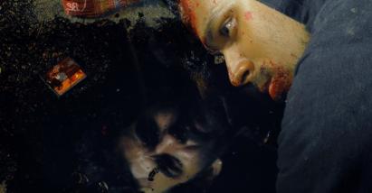 O reflexo de Henrique no sangue do outro.